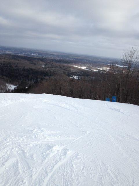 Camp Forture - c'est vraiment plaisant d'avoir ce centre de ski dans notre cour arrière.